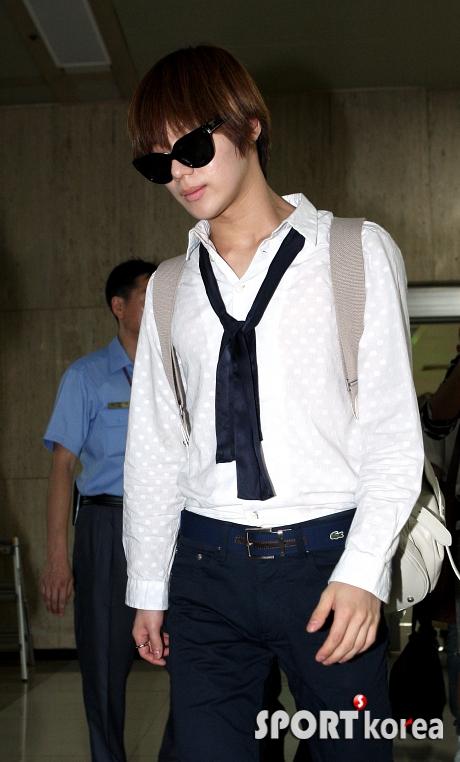 태민 `공항에서도 왕자님 포스`