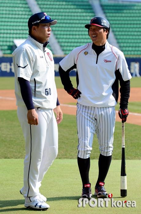 이진영-김현수, `지금은 웃고 있지만`