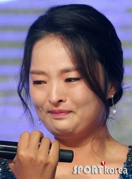 고진영 `KLPGA 대상 수상에 눈물 펑펑`