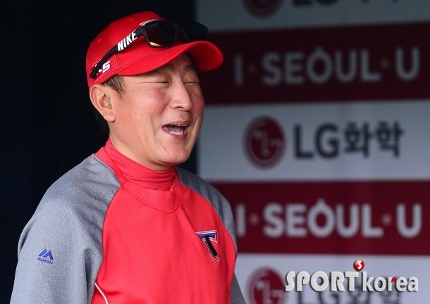 (온)김기태 감독 `요새 웃음이 떠나질 않네요`