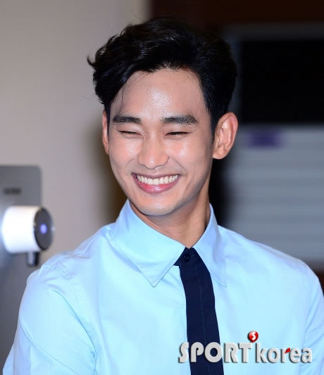김수현 `여심 녹이는 아시아의 프린스`