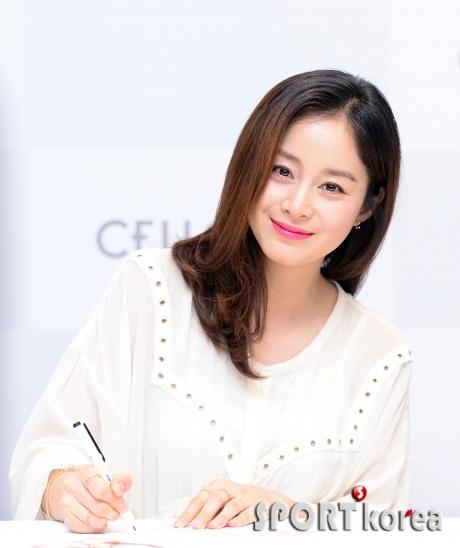 김태희 `세월이 흘러도 변치 않는 미모`