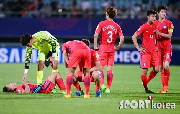 `신나는 도전` 한국, 포르투갈에 패하며 8강 도전 좌절!