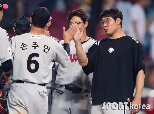 류제국-손주인 `LG 3연승 이끈 동갑내기`
