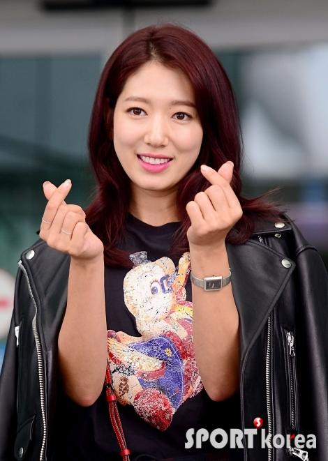 박신혜 `아침을 상쾌하게 여는 모닝 하트`