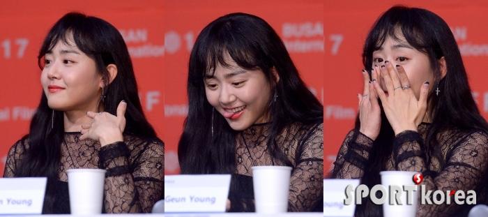 문근영 `오랜만의 공식석상이라 떨려요`