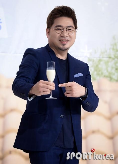 김조한 `막걸리 맛있어요!`