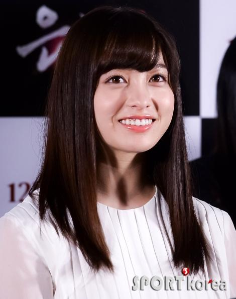 하시모토 칸나 `미소 짓는 천년돌`