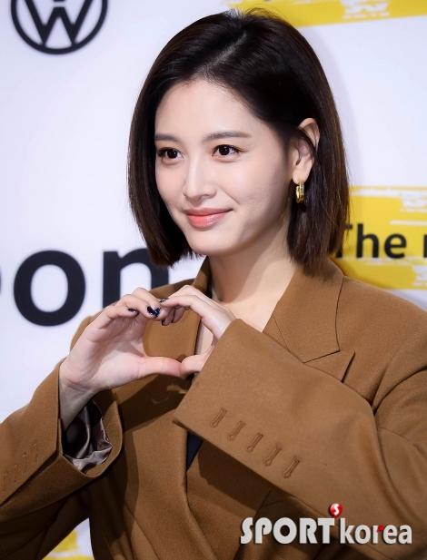 김재경 `얼굴만큼 예쁜 하트`