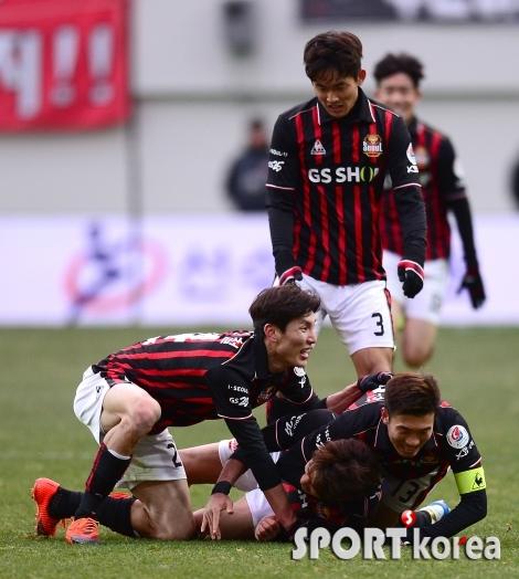 박주영 `동점골 성공`