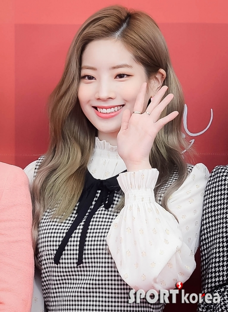 트와이스 다현 `오늘도 예쁜 미소`
