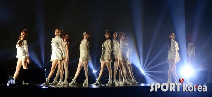 우주소녀, 타이틀곡 `La La Love`