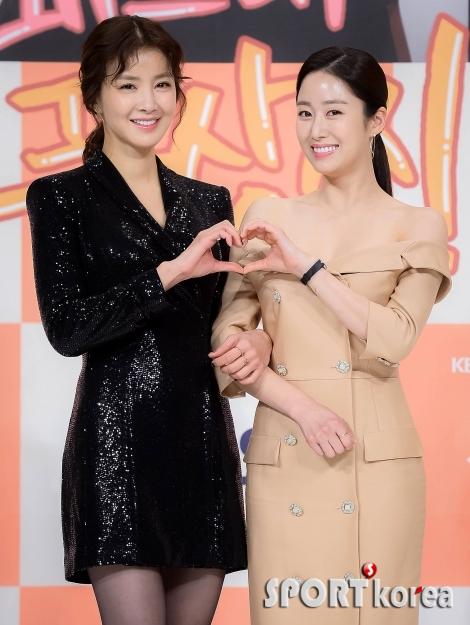 이시영-전혜빈 `사랑스러운 미소와 하트는 덤~`