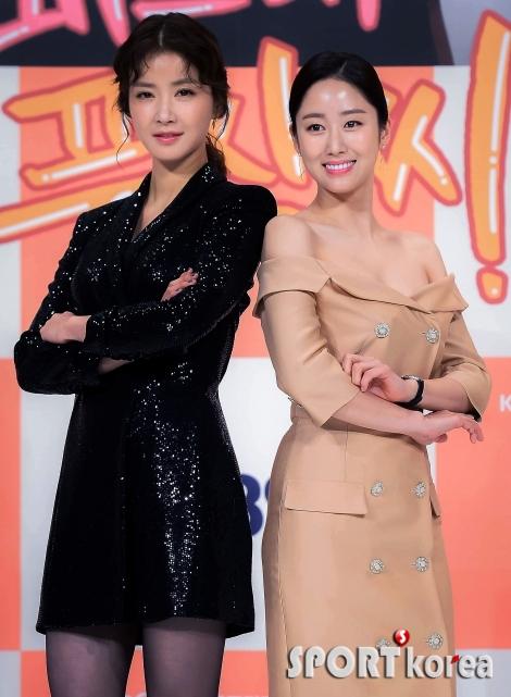 `등골 브레이크` 이시영-전혜빈 자매의 미모 대결!
