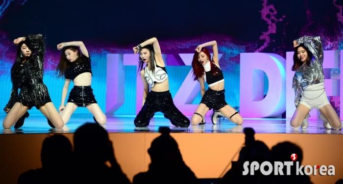 ITZY, 데뷔부터 시선집중!