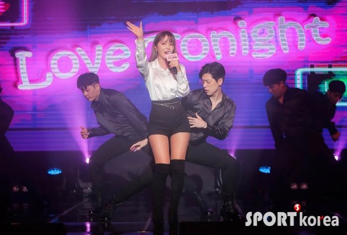 홍진영 `신나는 레트로 무대~`