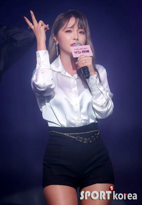 홍진영 `내가 트로트 여왕~`