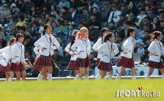 걸그룹 코코 야구장 공연