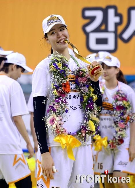 박지수  `MVP 등극`