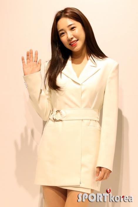 최희, `안녕하세요`