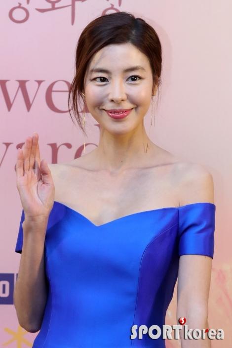 김규리, `고혹적인 미소`