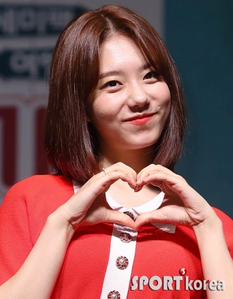 김소혜 `수줍은 미소`