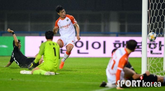 김지현 `역전골의 순간!`