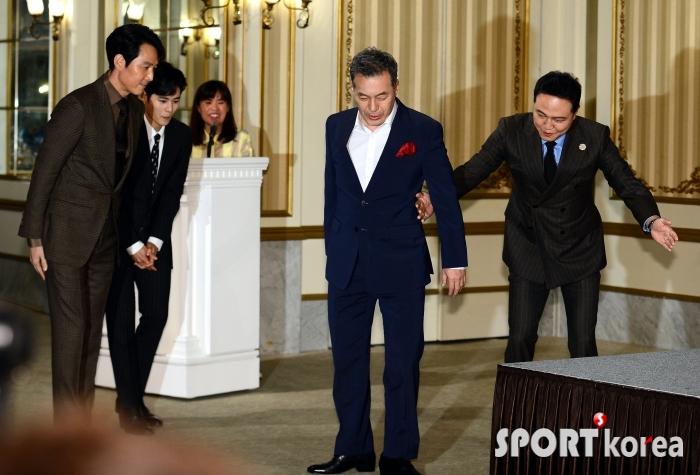 국회의원 김갑수를 보필하는 보좌관!