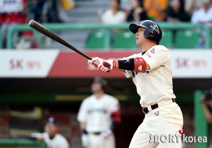 솔로포 최정, 3경기 연속 홈런포 가동!