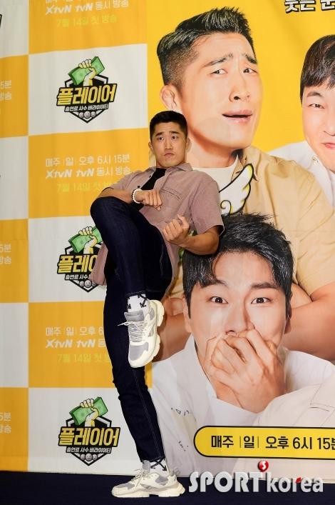 김동현 `개그계에 니킥같은 웃음 선사할게요!`