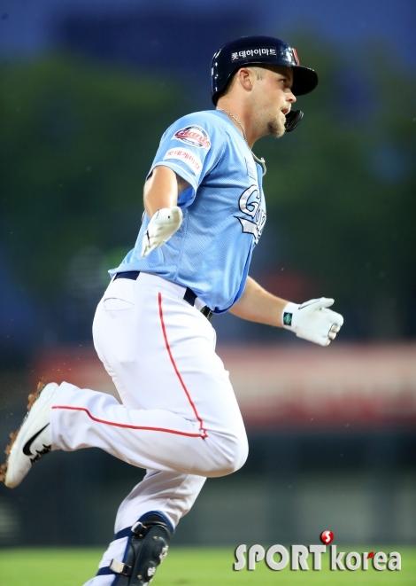윌슨, 윌랜드 상대로 시즌 3호 홈런