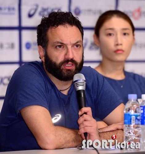 라바리니 감독 `도쿄 올림픽 출전 이루겠습니다`
