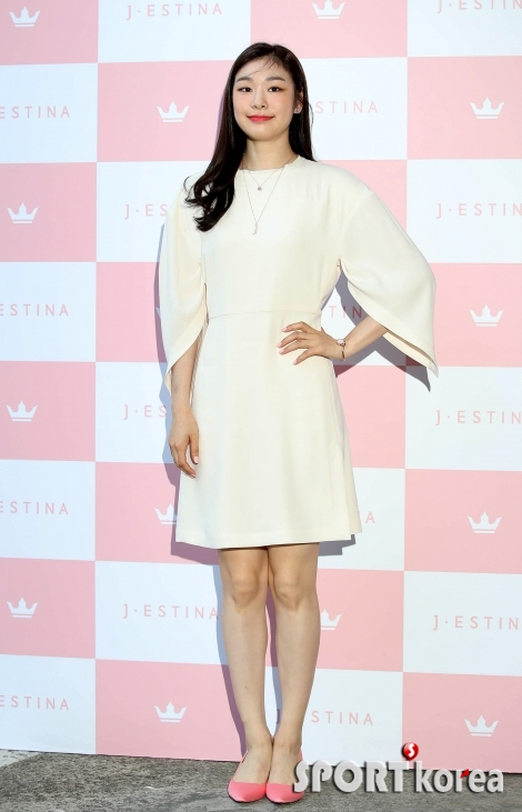 김연아 `서 있기만 해도 느껴지는 아름다움`