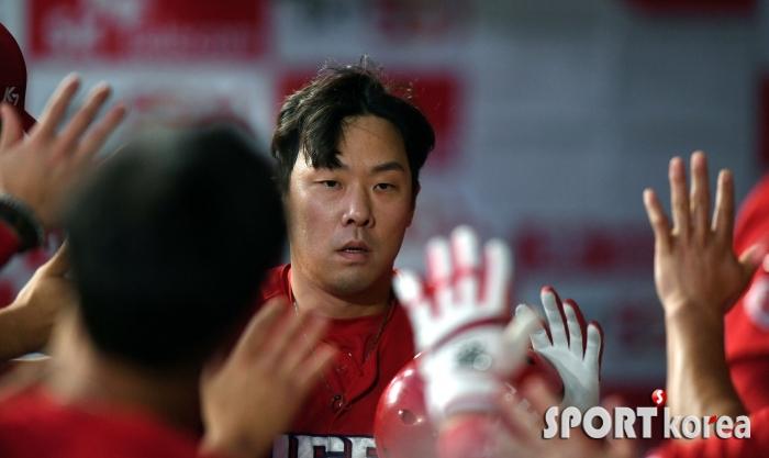 안치홍, 개인 100홈런을 동점 홈런으로~