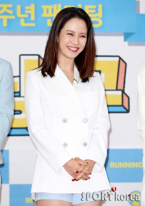 송지효 `런닝맨 안방마님의 미소`