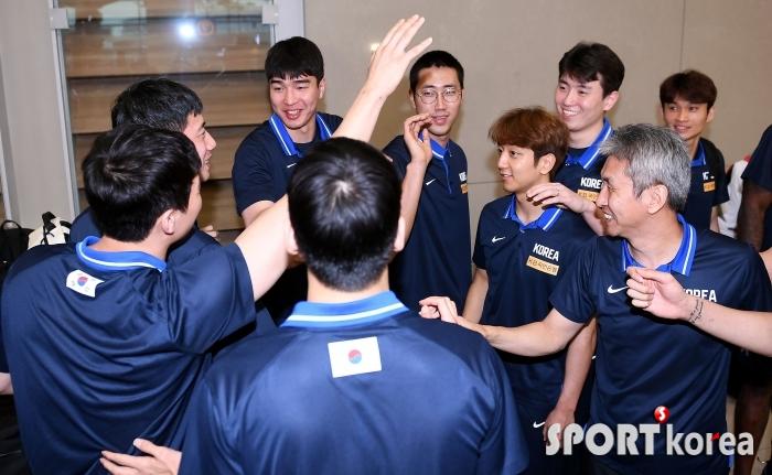 25년 만의 농구월드컵 승리, 화기애애한 귀국!