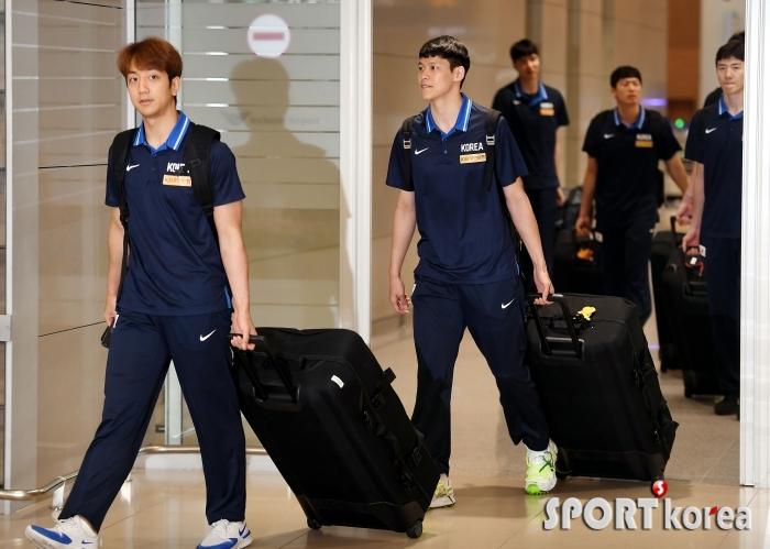 농구대표팀, 월드컵 1승 거두고 귀국!