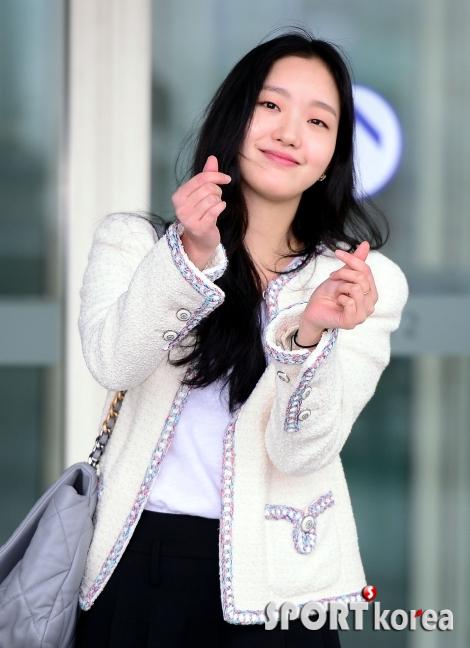 김고은, 매력 넘치는 더블 하트!