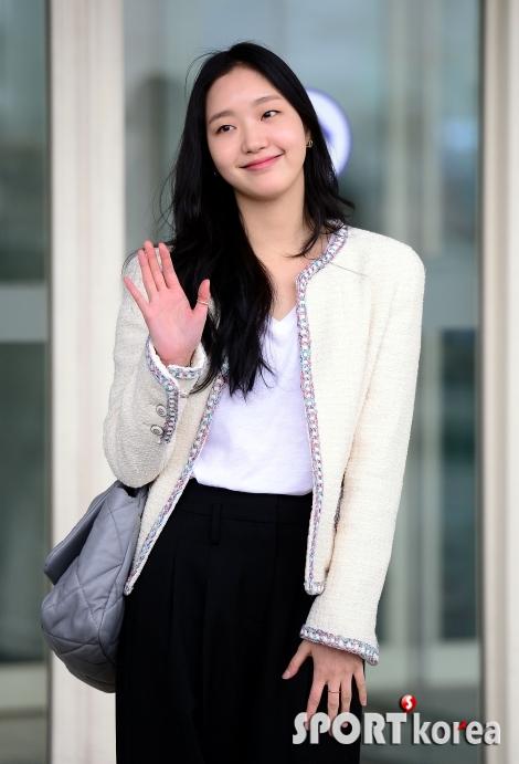 파리의 여인 김고은!