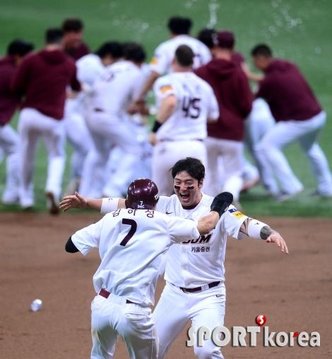 박병호 `이틀 연속 끝내기 승리`