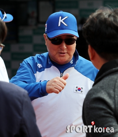 김경문 감독 `우리 선수들이 최고에요!`
