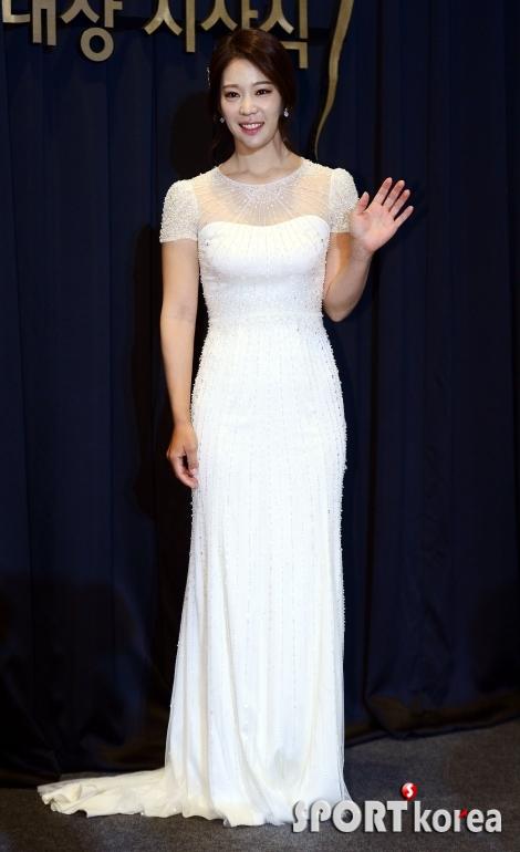 이승현, 시상식에는 드레스~