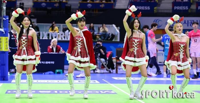 한국전력 치어리더, 미녀 산타로 변신!