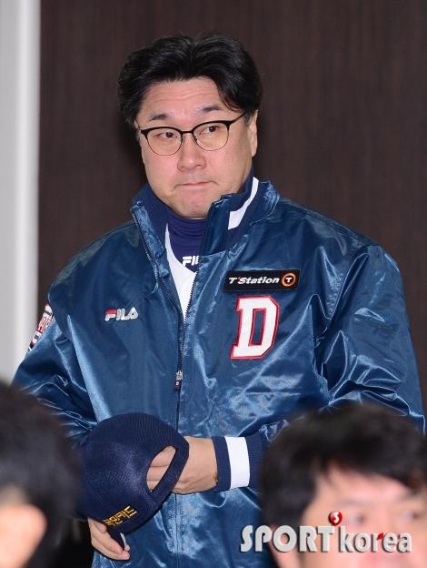 김상진 코치 `긴장된 입장`