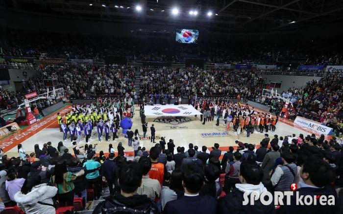 10개구단 감독-선수들이 부르는 올스타전 애국가