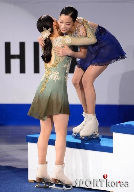 유영 `리카 1위 축하해`