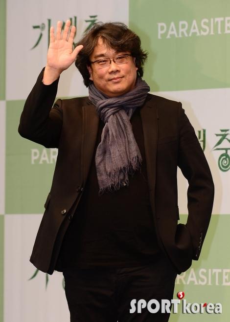 봉준호 감독 `한국 영화팬 향한 인사`