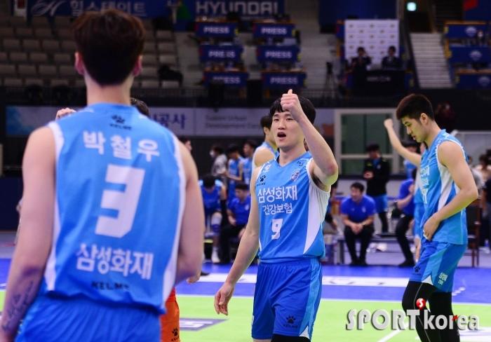김형진 `박철우 오늘 활약 최고!`