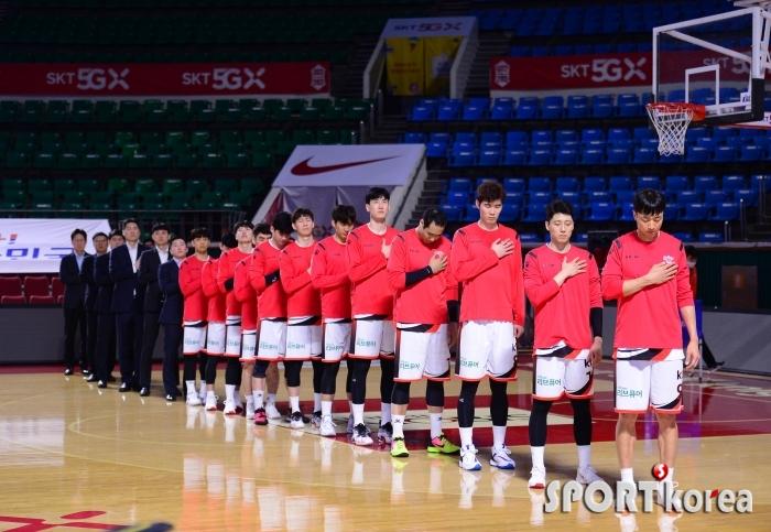 용병없이 SK전 준비하는 KT 선수들