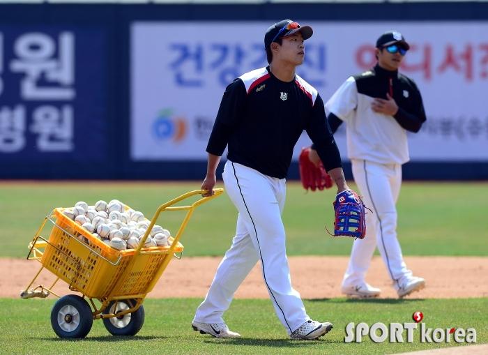 강백호, 야구공 배달갑니다~